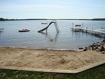 Minnesota Resort - Minnesota Fishing - Walleye fishing, Battle Lake Resort cabin rental located on sand beaches of East Battle Lake in Ottertail County of Minnesota.